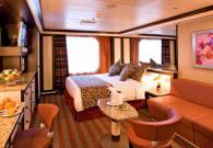 Mini Suite con grande finestra vista mare